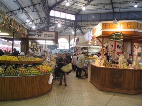 L'intérieur du marché couvert début 2005